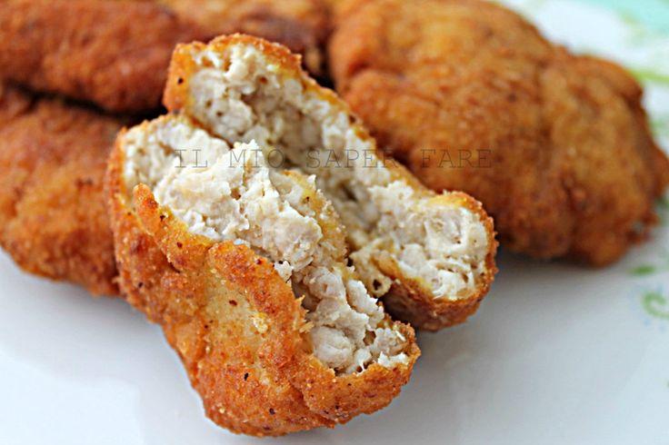 Crocchette di pollo (Nuggets di pollo) ricetta semplice:sfiziose,saporite, molto apprezzate dai nostri ragazzi.Fatte in casa con ingredienti freschi e sicuri
