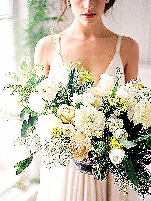 Quanto Dura Un Mazzo Di Fiori.Mazzi Di Fiori In 2020 Wedding Dresses Wedding Dresses
