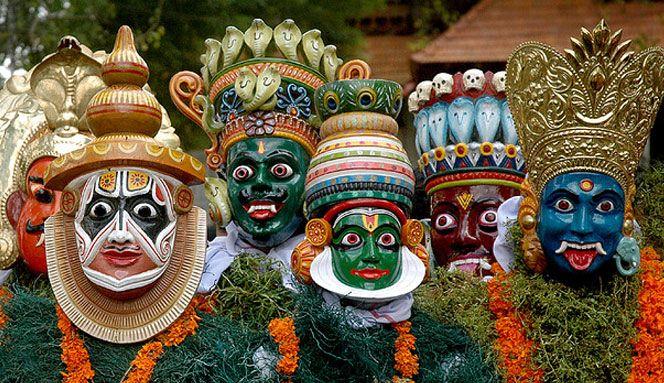 Kerala, India: Kathakali dancers