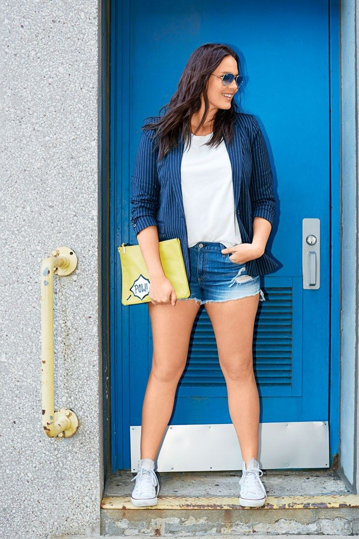 We Challenged Model Candice Huffine to Make a 30 Days of Summer Outfits From Just 5 Style Essentials