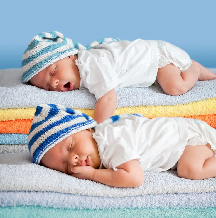Top sleeping tips for twins and triplets