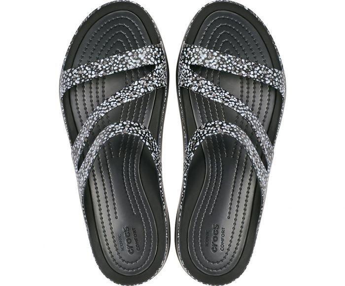 Crocs Sandals For Men Women And Kids Crocs Sandals Collection Has Sandals For Men For Any Day Buy Crocs Sandals For Men W Crocs Sandals Sandals Women Shoes