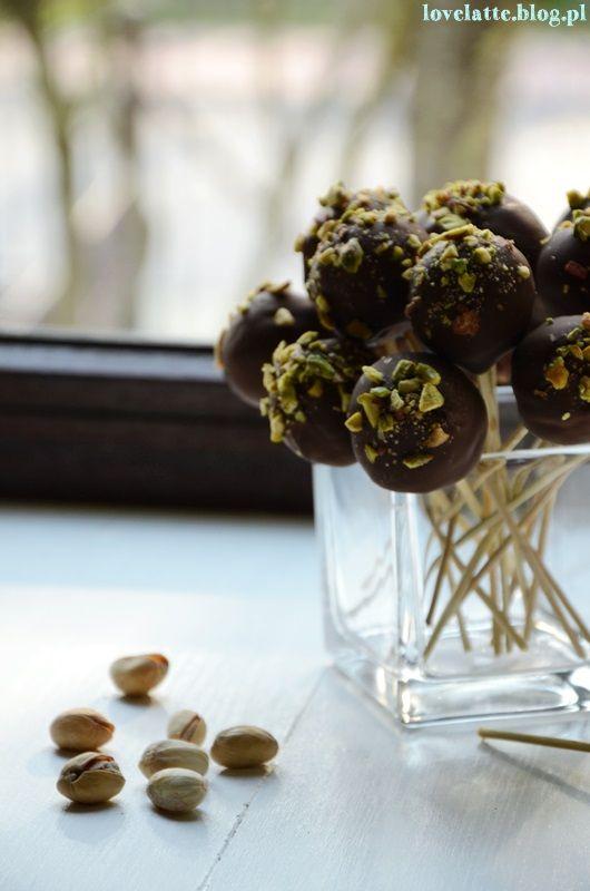 Cake Pops / ciasteczkowe lizaki przepis http://lovelatte.blog.pl/2014/04/14/urodzinowe-cake-pops/