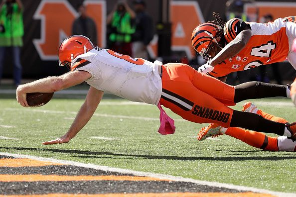 Browns vs. Bengals:     October 23, 2016  -  31-17, Bengals  -       Kevin Hogan #8 of the Cleveland Browns dives for his first career touchdown during the third quarter of the game against the Cincinnati Bengals at Paul Brown Stadium on October 23, 2016 in Cincinnati, Ohio. (Photo by Andy Lyons/Getty Images)