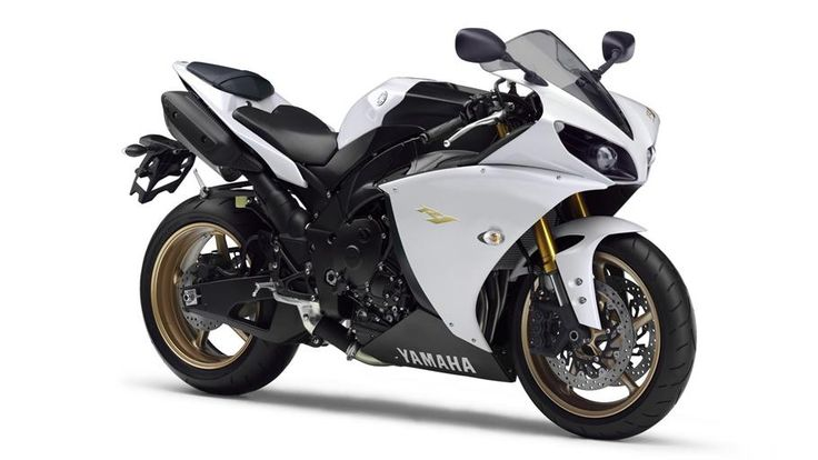 This is my King...all hail the YZF R1!