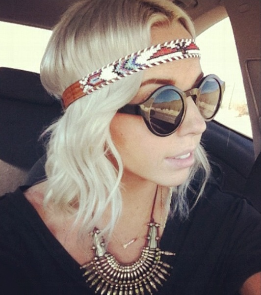 headband - this is cute but I wish she didn't have it on upside down...