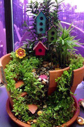 """Vasos quebrados viram jardins """"encantados"""" - Jardinagem - iG"""