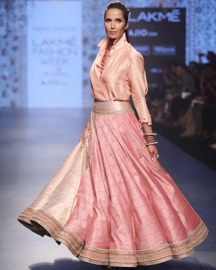 "2,724 Likes, 15 Comments - Tarun Tahiliani (@taruntahiliani) on Instagram: ""Padma Lakshmi for Tarun Tahiliani - Spring Summer 2017 - Chashme Shahi at Lakme Fashion Week.…"""