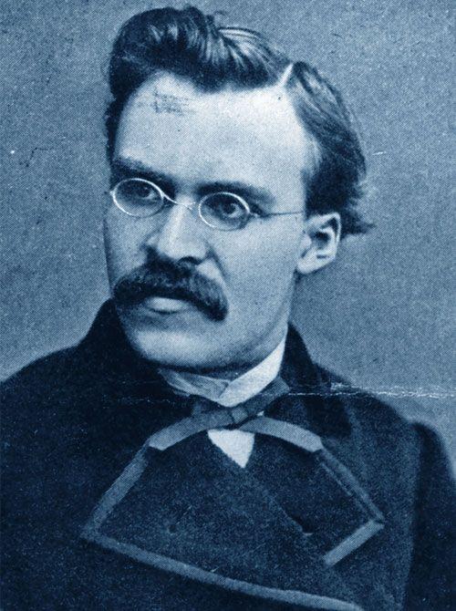 Friedrich Nietzsche • La vita è fatta di rarissimi momenti di grande intensità e di innumerevoli intervalli. La maggior parte degli uomini, però, non conoscendo i momenti magici, finisce col vivere solo gli intervalli.