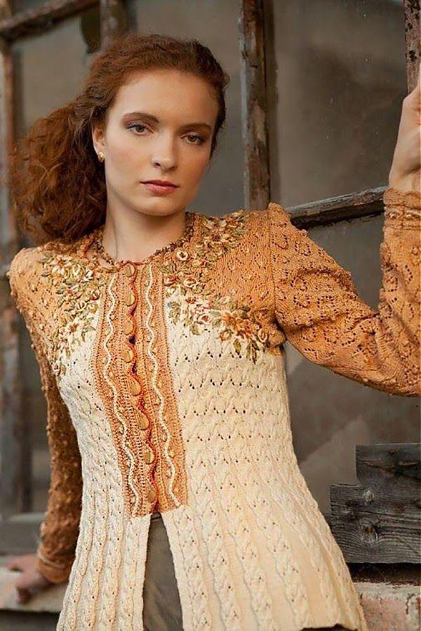 Хочу показать недавнюю находку — замечательной красоты трикотажные кардиганы, они же пуловеры, они же в просторечии кофточки (честно говоря, даже затрудняюсь подобрать правильный термин для этих вещиц) от Евы Дитрих ( Eva Dietrich), чья фирма Wolkenstricker существует с 1979 года. Посмотрите, какая прелесть, какое гармоничное сочетание женственной классики и современного стиля. Самое то для осени!