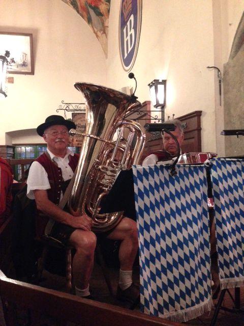 Musicista alla più famosa birreria di Monaco.. l'Hofbräuhaus!