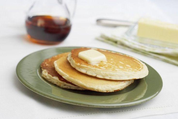 Een lekker koolhydraatarm ontbijtgerecht: roomkaas pannenkoeken. Deze roomkaas pannenkoeken zijn een perfect alternatief voor traditionele pannenkoeken. De roomkaas pannenkoeken hebben een luchtige structuur en een heerlijke smaak.