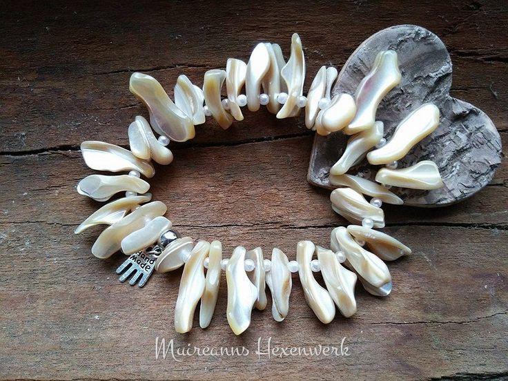 Edelsteinarmband aus Perlmutt-Muschelstücken, passend für Handgelenke von ca. 17 - 19 cm