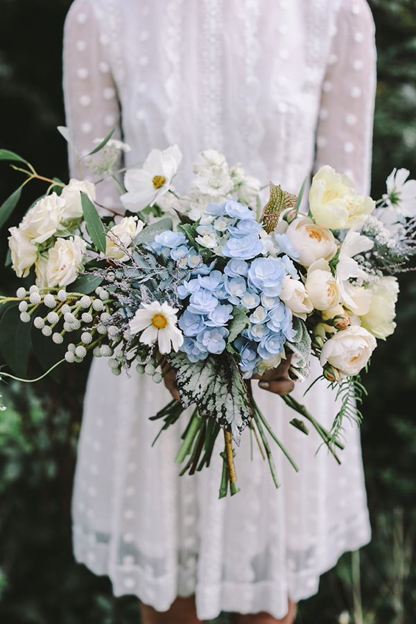 Lush, earthy bouquet in shades of cream and pale blue | Photo by Lara Hotz | Floral design by Jardine Botanic