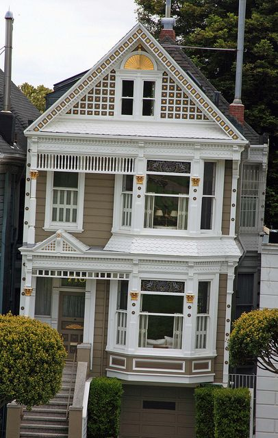 Victorian houses in San Francisco by Alaskan Dude, via Flickr