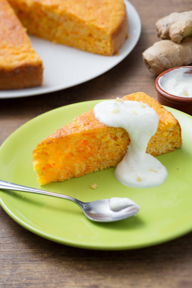 Torta carote e yogurt: morbida e dal sapore delicato, è perfetta sia per colazione che come dessert. [Carrot and yogurt cake]