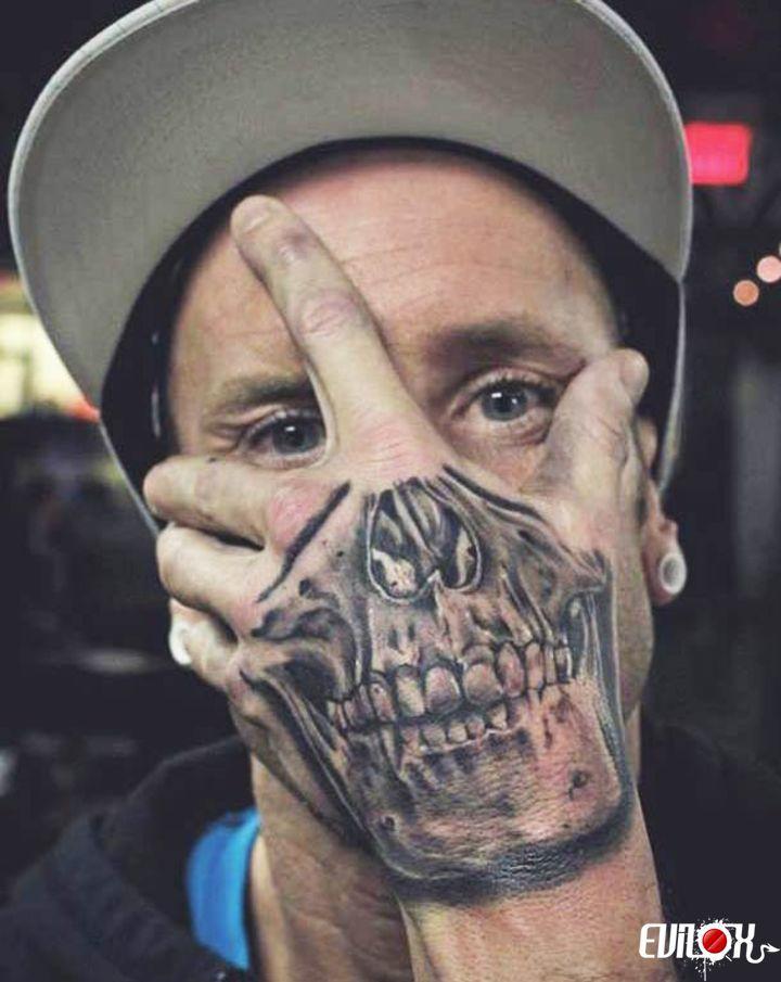 squelette, visage, main, tattoo, tatouage