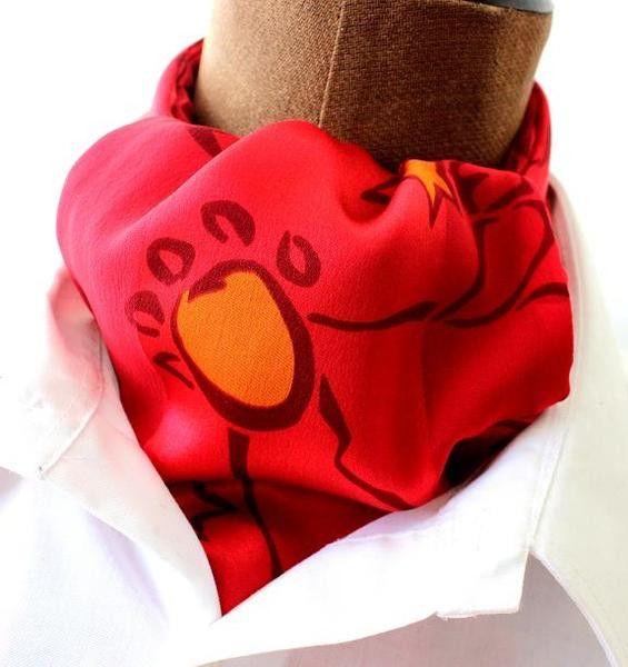 Krawattenschal, Ascot, rot,Seide  von SWEET-MAGNOLIA der Shop mit Fliegen und Einstecktüchern,Krawatten,Hosenträgern,Schals noch vielen schönen  Accessoires für Damen und Herren. Einfach mal stöbern.... auf DaWanda.com