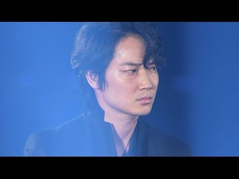 ワイルドな綾野剛にTGC会場は熱狂の渦に?「新宿スワン」コラボステージ #Go Ayano #Tokyo Girls Collection - YouTube