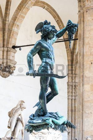 Perseo con la cabeza de Medusa Benvenuto Cellini Florencia Italia Foto de archivo
