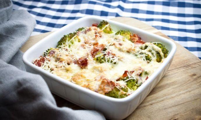 Zapékaná brokolice se sýrem