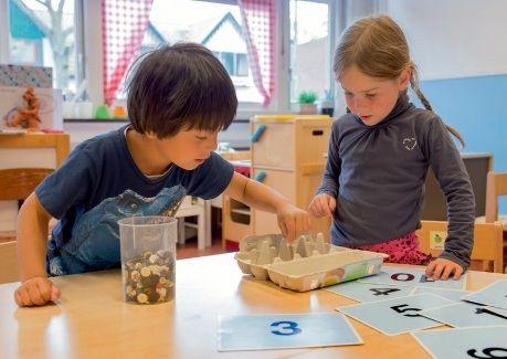 Rijke leersituaties met eierdozen. Artikel van Bianca Oldenbeuving, Praxis bulletin, juni 2014.