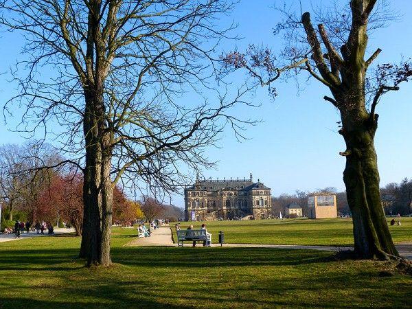 Großer Garten Dresden im Frühling