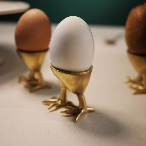 dontrblgme: egg stand