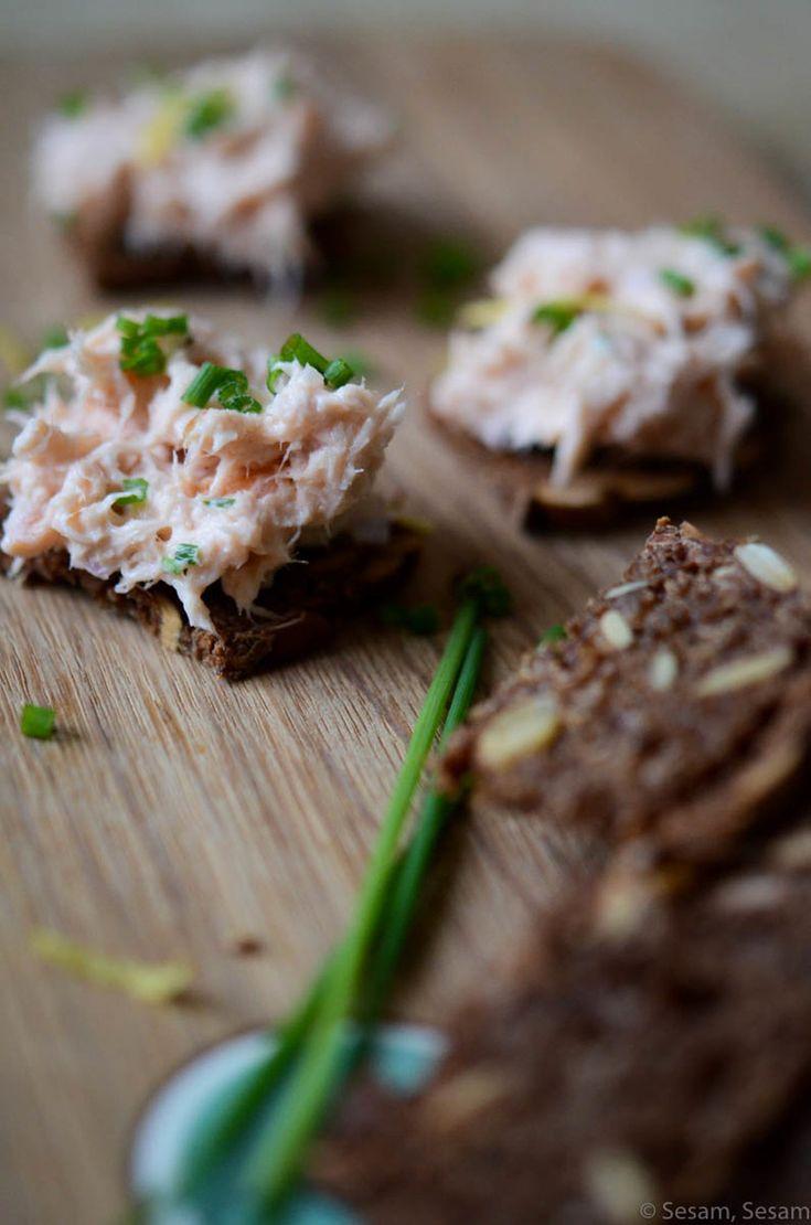 Hurtig Lakserillette på Sprøde Rugbrødschips — Sesam, Sesam