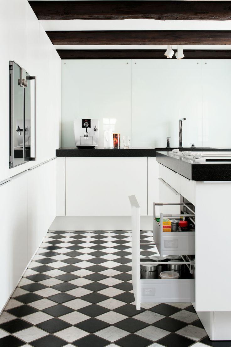 51 best Poggenpohl - Cabinetry images on Pinterest   Kitchen modern ...