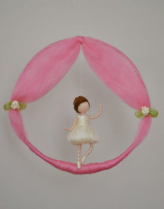 Aguja móvil niñas decoración de la habitación de por MagicWool