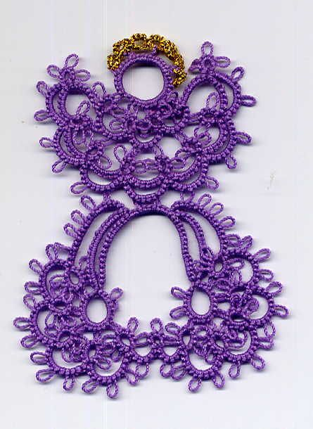 TAT'S AMORÉ, Martha Ess' Tatting Page Homepage ~ This blog has lots of free beautiful patterns...I really need to learn how to do this~