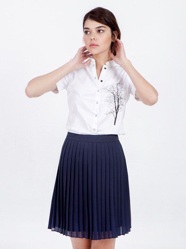 VENTE bleu plissé jupe - midi bleu jupe - jupe bleu marine - jupe en mousseline de soie - genou Longueur jupe jupe taille haute - jupe courte- par SCHILLERshop sur Etsy https://www.etsy.com/fr/listing/229510821/vente-bleu-plisse-jupe-midi-bleu-jupe