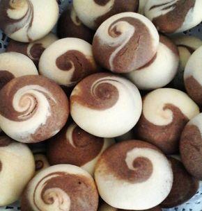 Görüntüsü Çinlilerin felsefe taşı olan denge amblemini andırdığı için adı ordan geliyor. Sizlerde iki renklibu denge kurabiyelerden yapabilir gelen komşularınıza ve misafirlerinize ikramda bulunabilirsiniz..