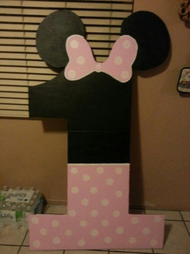 Minnie Mouse Number 1 The Hubby Made This Out Of