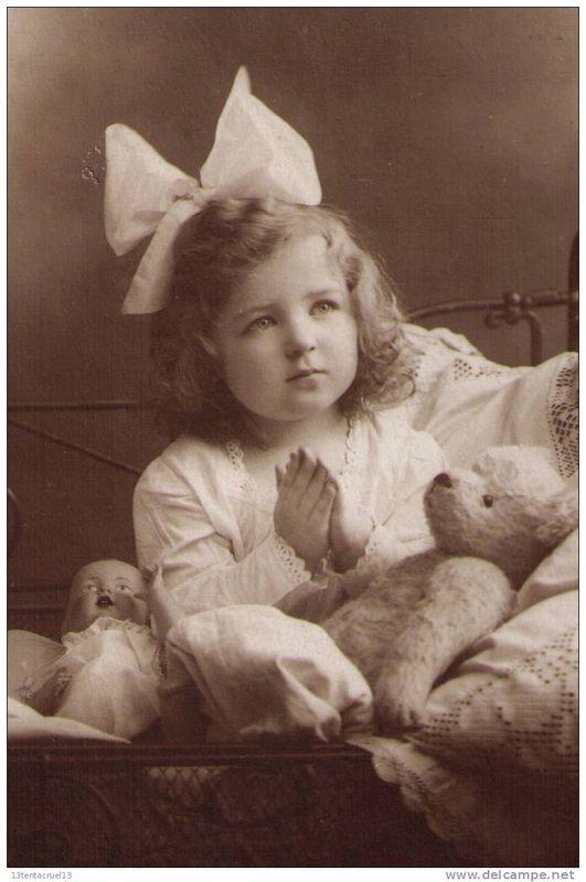 Little girl and her teddy bear                                                                                                                                                                                 Plus