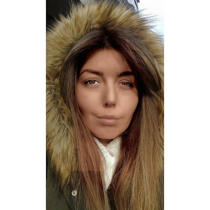 Winter ! Colder than ever !! ❄❄❄ Freazyy ! 😨    Moj zaštitni znak - žmirkanje 😂    #fashion #fashionblogger #blogger #fashionblog #fashionista #fashionlover #fashionlife #balayage #bangs #hairstyle #winter #winterfashion #freazing #freazy #instapic #instacool #instavid #instaswag #instasize #instago #instame #instagram #swag #nocrop #serbianbeauties #serbian_beauties
