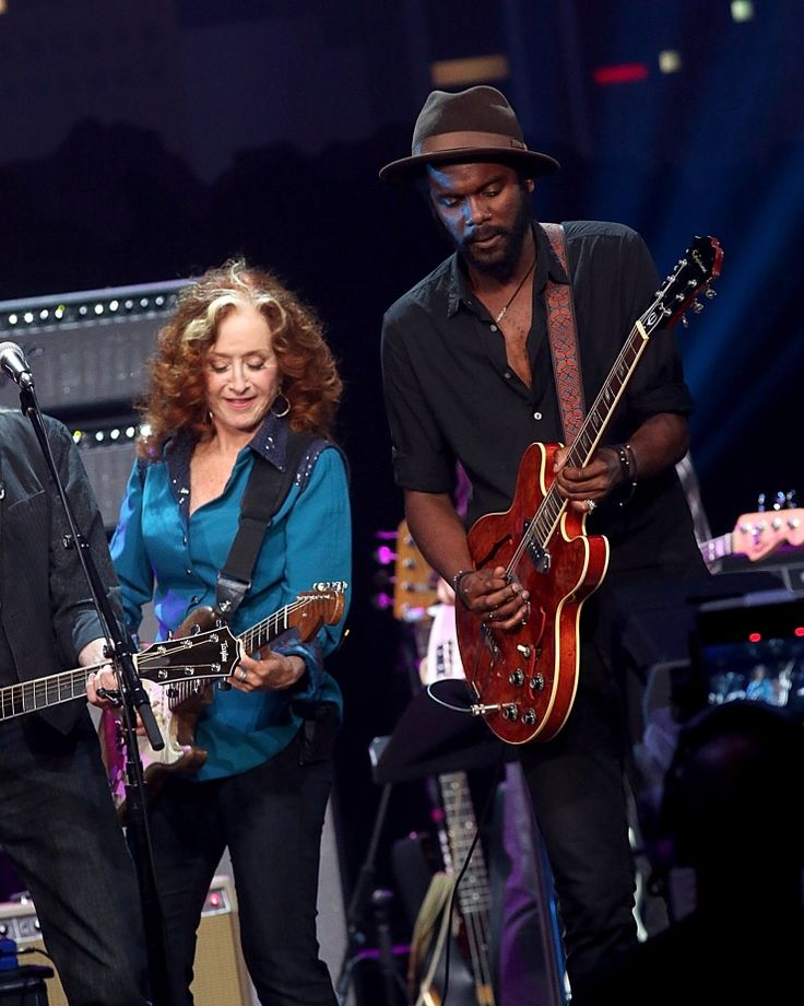 "Bonnie Raitt and Gary Clark Jr. have a good old-fashioned jam session during the taping of ""ACL Celebrates 40 Years"" on June 26 in Austin, Texas"