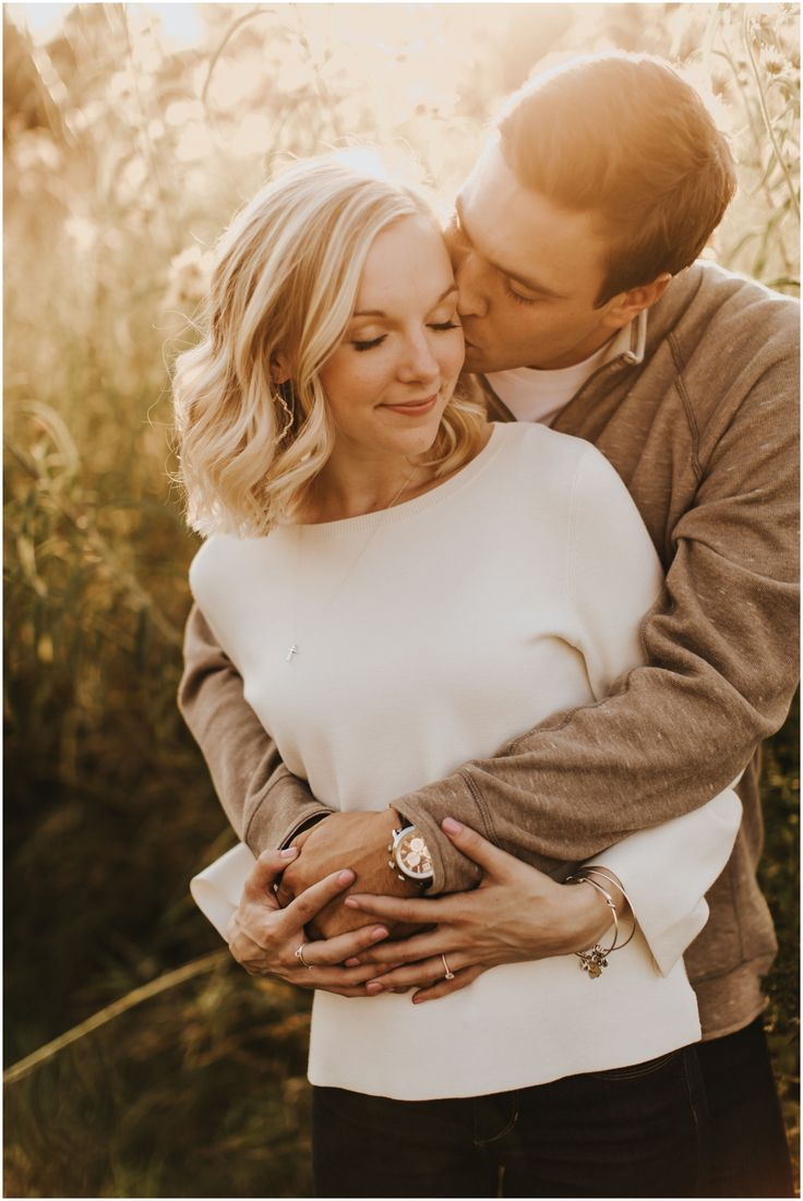 Minnesota Engagement Session. Couple Engagement photos. Photography: Russell Heeter Photography | Planner: Rosetree Events | Location: MN Arboretum an…