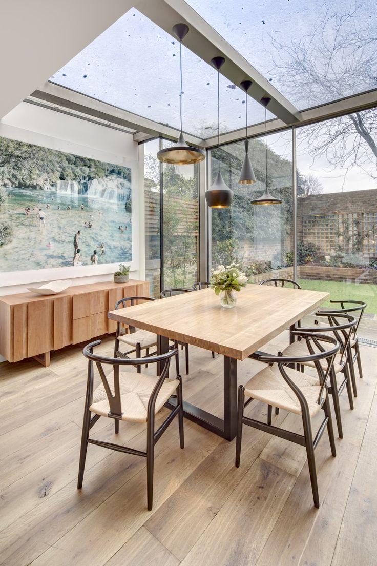 Eetkamer in glazen aanbouw. Info op: http://www.interieurdesigner.be/blog/detail/renovatie-aanbouw-in-glas