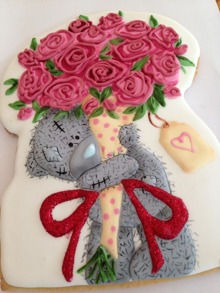 Beautiful 8 inch sugar cookie by a designer posted on Julia Usher's site