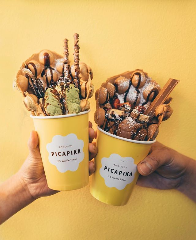 dreaming of these magical eggette ice cream cups from @picapikawaffles  Are you a matcha or chocolate person??