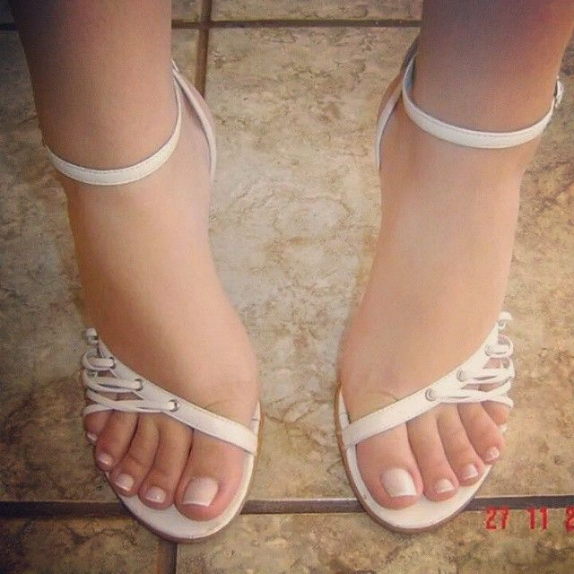 562 Best Sexycute Toes Images On Pinterest  Female Feet -1317