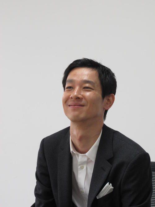 Ryo Kase -- 카세 료의 차밍 포인트는 목울대입니다.