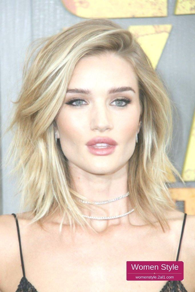 How To Give Your Thin Hair Volume Rosie Huntington Whiteley Hair She Has Long Huntington Rosi Medium Hair Styles Thick Hair Styles Blonde Hair Color