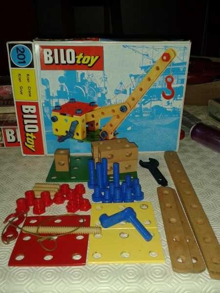 1966 BILOFIX (Lego wooden toys division) German catalog cover. http://lego.wikia.com/wiki/BILOfix http://www.miniland.nl/Historie/Houtpaginas/bilo%20fix/Bilofix%20eng.htm