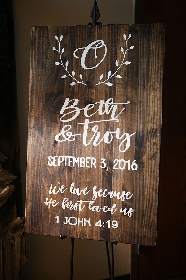 Bethany & Troy – A Super Stylish Sandusky Wedding