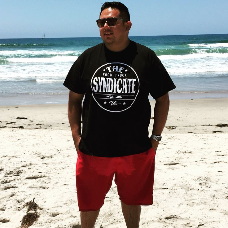 Giancarlo from LA Roots Food Truck Phoenix Reppin the Round Syndicate Logo T!