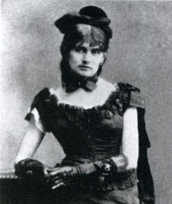 Photographie de Berthe Morisot en 1877, Berthe Morisot ...