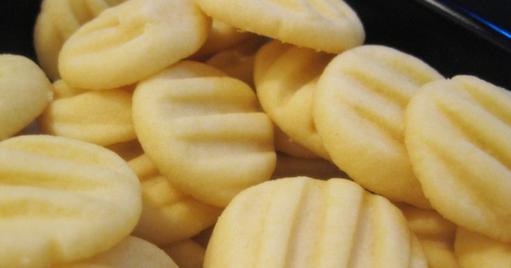 Hledáte snadný recept na sušenky? Zkuste tyto vanilkové, těsto budete mít hotové…